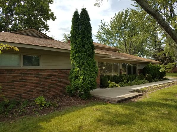 5 bed 3 bath Single Family at 6312 Nicholas Dr West Bloomfield, MI, 48322 is for sale at 350k - 1 of 7