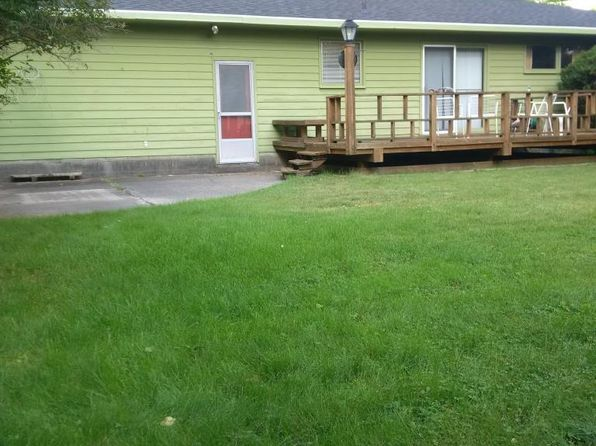 2 bed 2 bath Single Family at 701 Elm St Manistee, MI, 49660 is for sale at 130k - 1 of 14