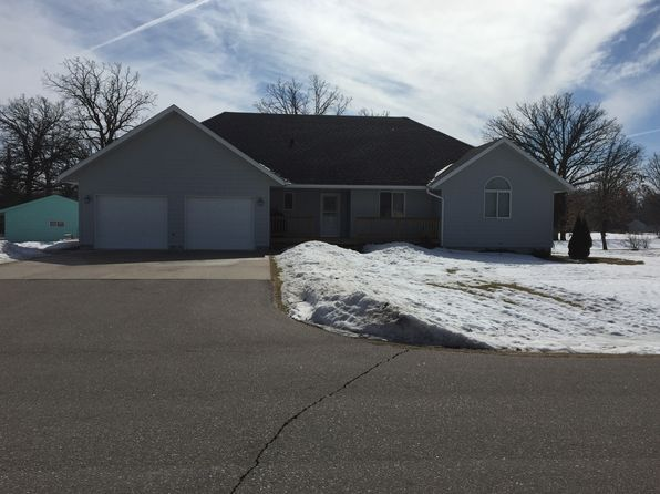 3 bed 2 bath Single Family at 1012 6th St SE Roseau, MN, 56751 is for sale at 218k - 1 of 16