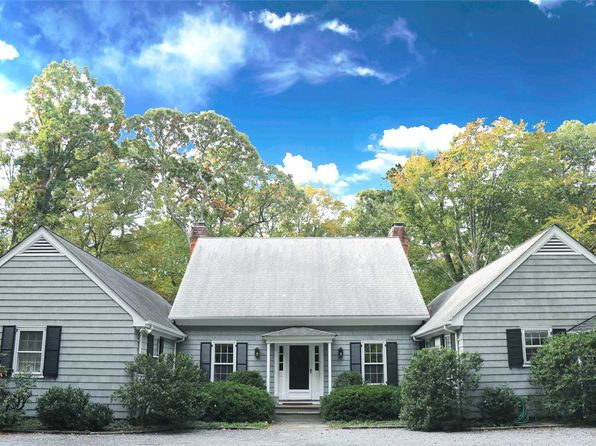 3 bed 4 bath Single Family at 271 Piping Rock Rd Glen Head, NY, 11545 is for sale at 1.35m - 1 of 20