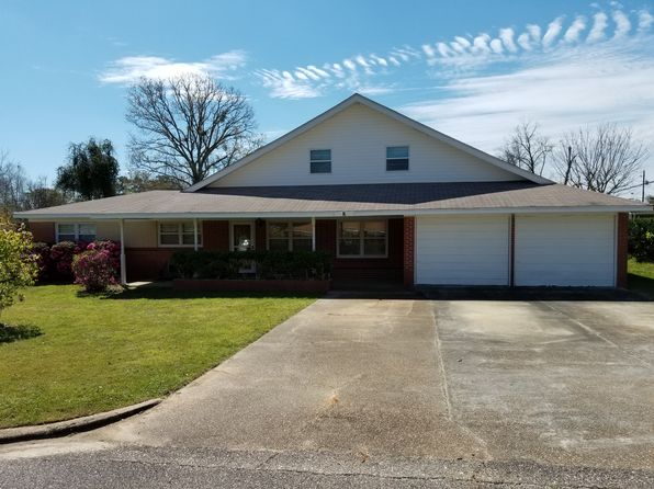 5 bed 3 bath Single Family at 8 Hall St Daleville, AL, 36322 is for sale at 175k - google static map