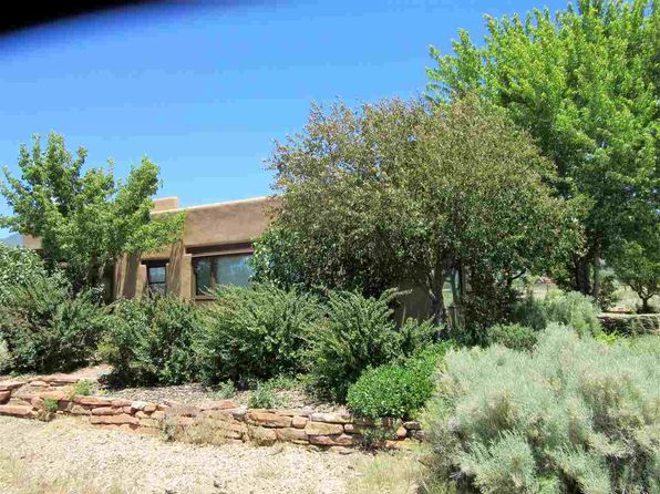 1 bed 2 bath Single Family at 29 Las Animas Arroyo Seco, NM, 87514 is for sale at 399k - 1 of 16