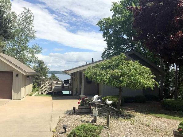 2 bed 2 bath Single Family at 8681 BRETTONWOOD SHORES RD RAPID CITY, MI, 49676 is for sale at 545k - 1 of 58