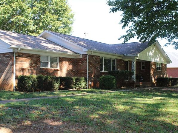 3 bed 2 bath Single Family at 535 Scott Cemetery Rd Sparta, TN, 38583 is for sale at 140k - 1 of 18