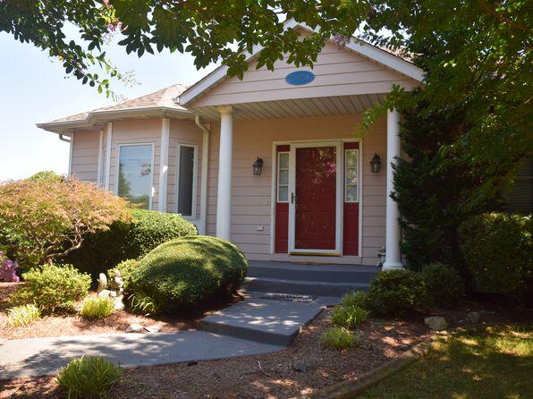 3 bed 3 bath Single Family at 2326 Lake Retreat Rd Huddleston, VA, 24104 is for sale at 185k - 1 of 17