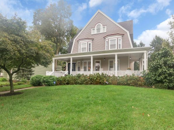 5 bed 3.5 bath Single Family at 1156 Martine Ave Plainfield, NJ, 07060 is for sale at 439k - 1 of 12