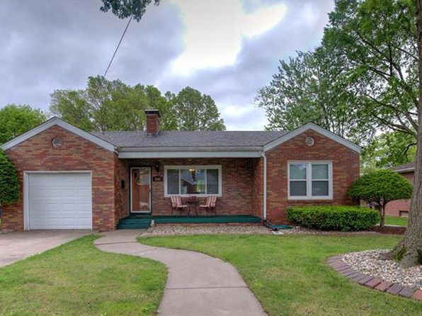 2 bed 1 bath Single Family at 2005 Kinsman Dr Alton, IL, 62002 is for sale at 90k - 1 of 15
