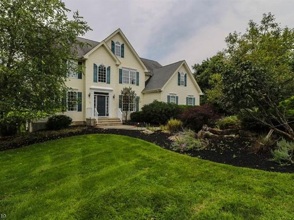 4 bed 4 bath Single Family at 3 Fox Chase Turn Pittstown, NJ, 08867 is for sale at 925k - 1 of 25