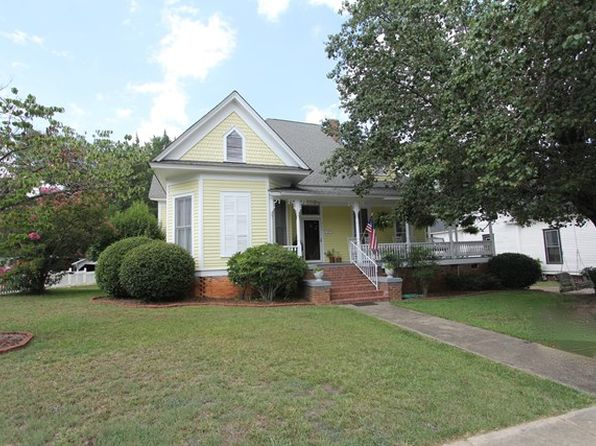 3 bed 2 bath Single Family at 215 Cambridge Ave E Greenwood, SC, 29646 is for sale at 130k - 1 of 29