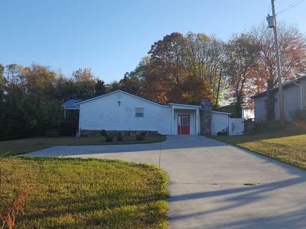 2 bed 2 bath Single Family at 926 Mill St Dandridge, TN, 37725 is for sale at 121k - 1 of 11