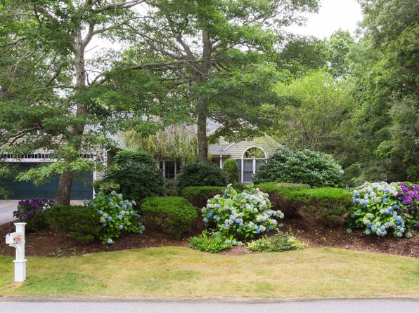 3 bed 2 bath Single Family at 76 Regatta Dr Barnstable, MA, 02630 is for sale at 489k - 1 of 17