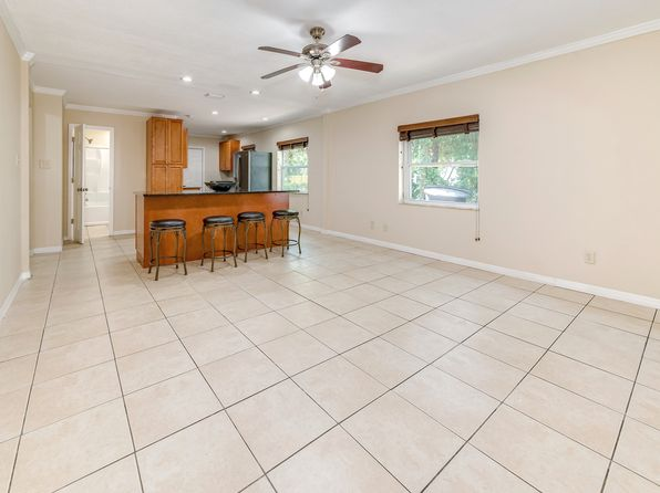 3 bed 1 bath Single Family at 5725 Magnolia St N Saint Petersburg, FL, 33703 is for sale at 170k - 1 of 22