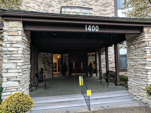 2 bed 2 bath Condo at 1400 N Yarmouth Pl Mount Prospect, IL, 60056 is for sale at 165k - 1 of 25
