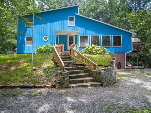 3 bed 2 bath Single Family at 6 Edna Oaks Rd Hendersonville, NC, 28792 is for sale at 250k - 1 of 22
