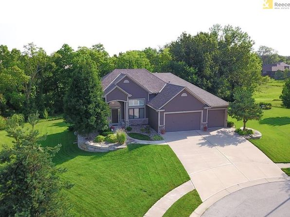 4 bed 4 bath Single Family at 1305 Jeremy Cir Raymore, MO, 64083 is for sale at 440k - 1 of 25
