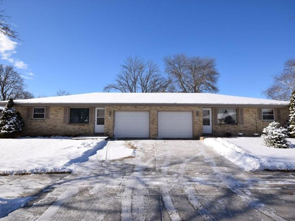 4 bed 2 bath Multi Family at 1716/1712 Eder Ln West Bend, WI, 53095 is for sale at 195k - 1 of 21