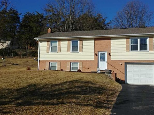 4 bed 2 bath Single Family at 240 TANGLEWOOD DR CHRISTIANSBURG, VA, 24073 is for sale at 205k - 1 of 36