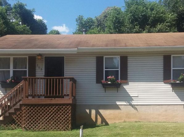 3 bed 1 bath Single Family at 205 Harrison Ave NW Roanoke, VA, 24016 is for sale at 69k - 1 of 25