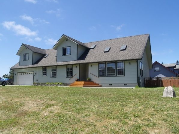 5 bed 3 bath Single Family at 285 Lakeside Loop Crescent City, CA, 95531 is for sale at 450k - 1 of 34