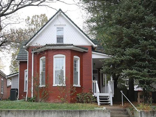 4 bed 2 bath Single Family at 512 E C St Belleville, IL, 62220 is for sale at 115k - 1 of 33