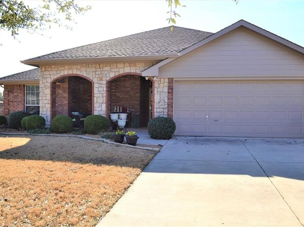 3 bed 2 bath Single Family at 1806 Cyrus Way Denton, TX, 76208 is for sale at 225k - 1 of 32