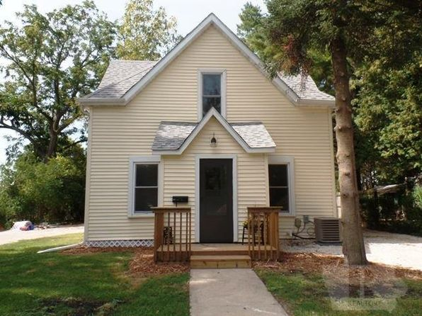 3 bed 2 bath Single Family at 1711 River St Iowa Falls, IA, 50126 is for sale at 85k - 1 of 21