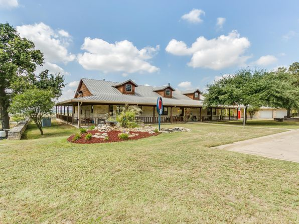 3 bed 3 bath Single Family at 7048 County Road 1204 Cleburne, TX, 76031 is for sale at 730k - 1 of 22