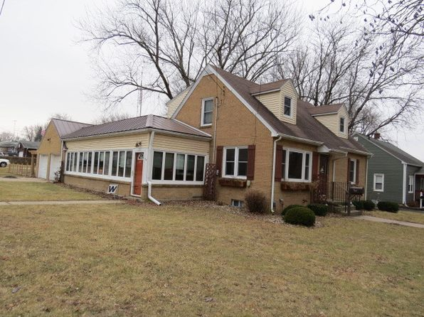 4 bed 2 bath Single Family at 202 W Hill St Genoa, IL, 60135 is for sale at 167k - 1 of 12