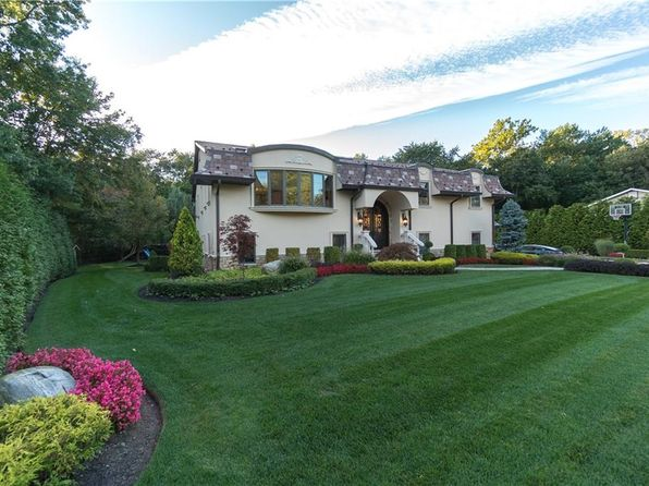 6 bed 7 bath Single Family at 5 Ashlawn Ave Spring Valley, NY, 10977 is for sale at 999k - 1 of 24