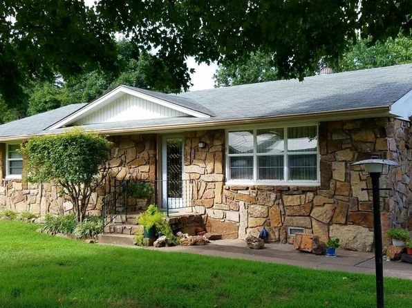 3 bed 2 bath Single Family at 114 N Delaware St Grove, OK, 74344 is for sale at 112k - 1 of 31