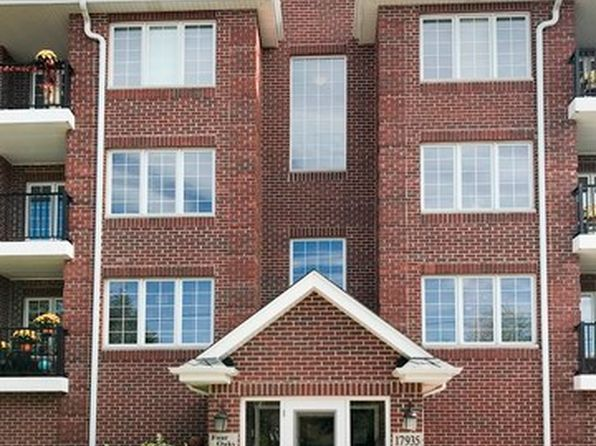 2 bed 2 bath Condo at 17935 Oak Park Ave Tinley Park, IL, 60477 is for sale at 192k - 1 of 23