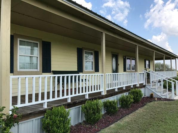 3 bed 2 bath Single Family at 1812 W Fm 1961 Yorktown, TX, 78164 is for sale at 399k - 1 of 57