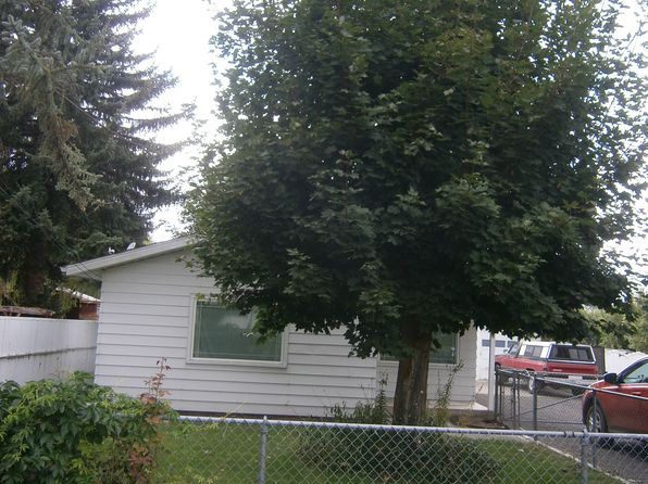 2 bed 1 bath Single Family at 1868 IVORY ST KLAMATH FALLS, OR, 97603 is for sale at 126k - 1 of 13