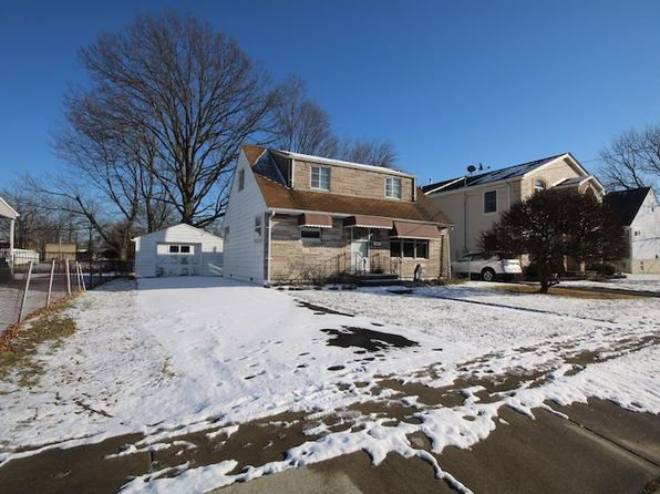 4 bed 1 bath Single Family at 45 Edstan Dr Moonachie, NJ, 07074 is for sale at 225k - 1 of 15