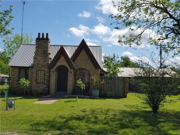 2 bed 1 bath Single Family at 222 S DOUGLAS ST COVINGTON, TX, 76636 is for sale at 60k - 1 of 10