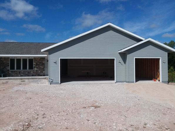 3 bed 2 bath Single Family at 1008 Armstrong Ave Sheboygan, WI, 53083 is for sale at 255k - 1 of 36