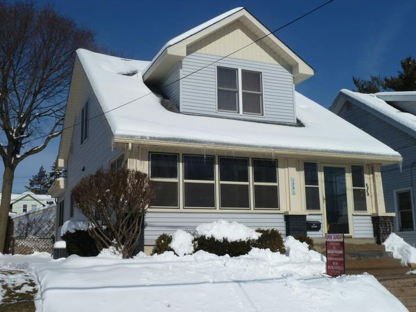 3 bed 2 bath Single Family at 1251 Crosby St NW Grand Rapids, MI, 49504 is for sale at 154k - 1 of 25