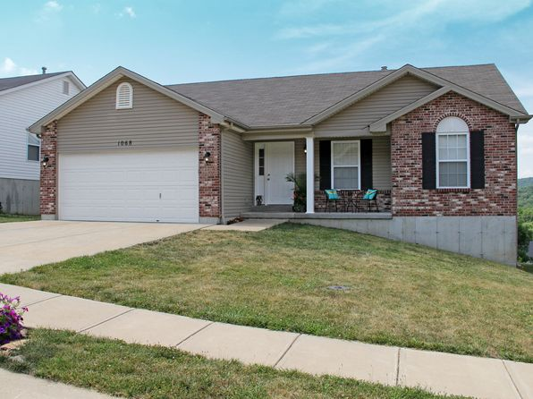 3 bed 2 bath Single Family at 1068 Remington Dr Imperial, MO, 63052 is for sale at 200k - 1 of 18