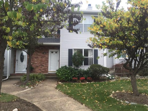 2 bed 2 bath Townhouse at 8 Jeanette Ct Jamesburg, NJ, 08831 is for sale at 219k - 1 of 13
