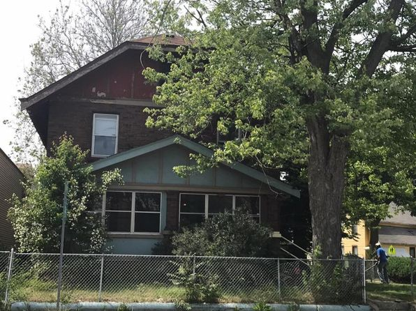 6 bed 2 bath Single Family at 805 Grandville Ave SW Grand Rapids, MI, 49503 is for sale at 140k - google static map