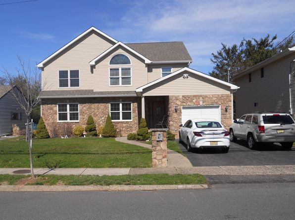 4 bed 3 bath Single Family at 76 Notch Rd Clifton, NJ, 07013 is for sale at 650k - 1 of 7