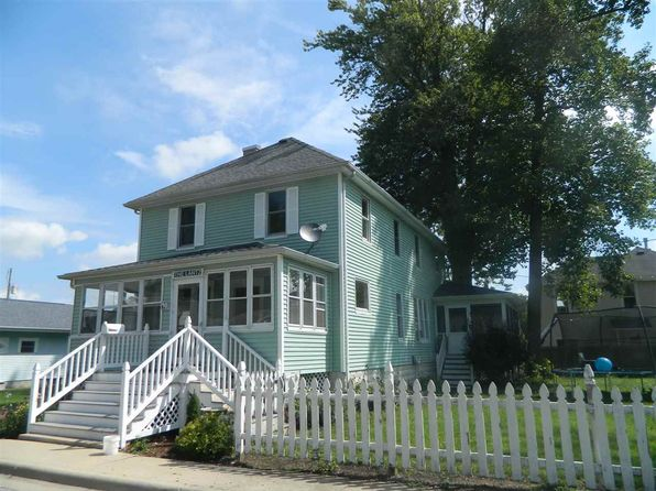 6 bed 2 bath Single Family at 901 Court St Winona Lake, IN, 46590 is for sale at 199k - 1 of 19