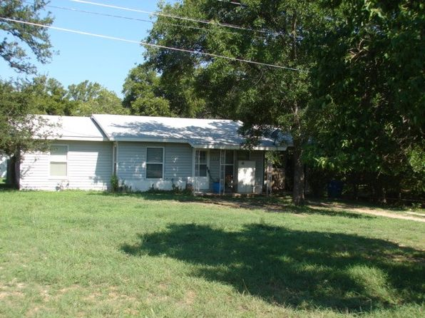 3 bed 2 bath Single Family at 1010 Avenue F Marble Falls, TX, 78654 is for sale at 145k - 1 of 4