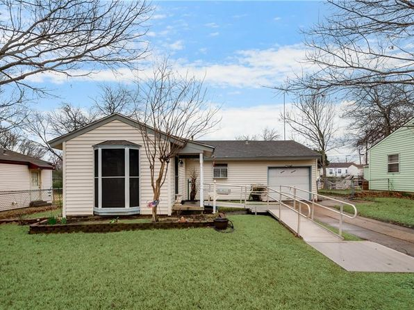2 bed 2 bath Single Family at 1614 PARK AVE GARLAND, TX, 75042 is for sale at 158k - 1 of 26