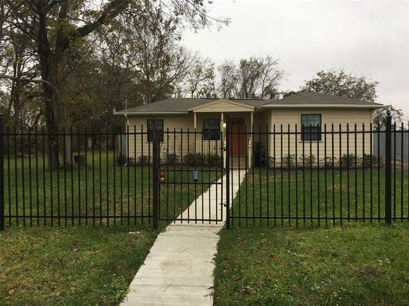 3 bed 2 bath Single Family at 9417 Crofton St Houston, TX, 77016 is for sale at 150k - 1 of 11