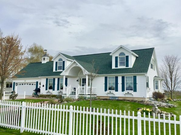 3 bed 3 bath Single Family at 2091 12th St Manistee, MI, 49660 is for sale at 435k - 1 of 54
