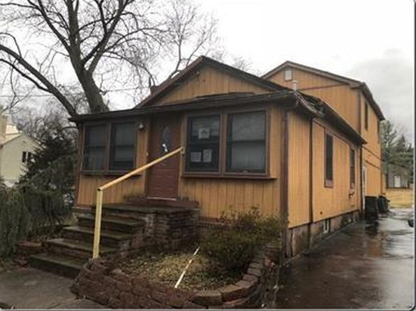 3 bed 2 bath Single Family at 112 Maple St Bridgewater, NJ, 08807 is for sale at 281k - 1 of 10