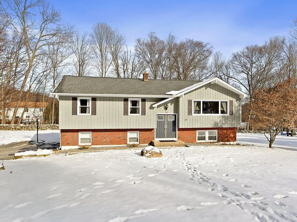 3 bed 3 bath Single Family at 28 Florence Rd Putnam Valley, NY, 10579 is for sale at 539k - 1 of 23
