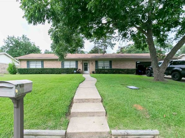 4 bed 2 bath Single Family at 1805 Rodden St Longview, TX, 75604 is for sale at 157k - 1 of 17