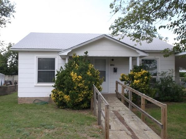 3 bed 1 bath Single Family at 1435 Oak St Colorado City, TX, 79512 is for sale at 29k - 1 of 17